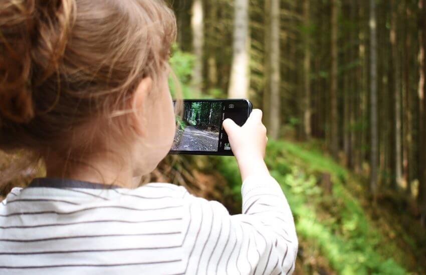 kind een mobieltje